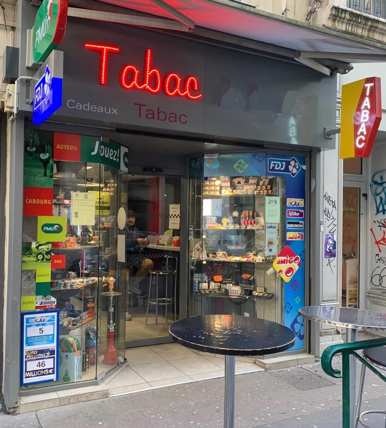 Facade magasin_LE TABAC DU LYCEE-LYON-69002