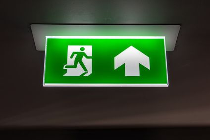 BAES-signalisation-des-issues-de-secours-au-plafond
